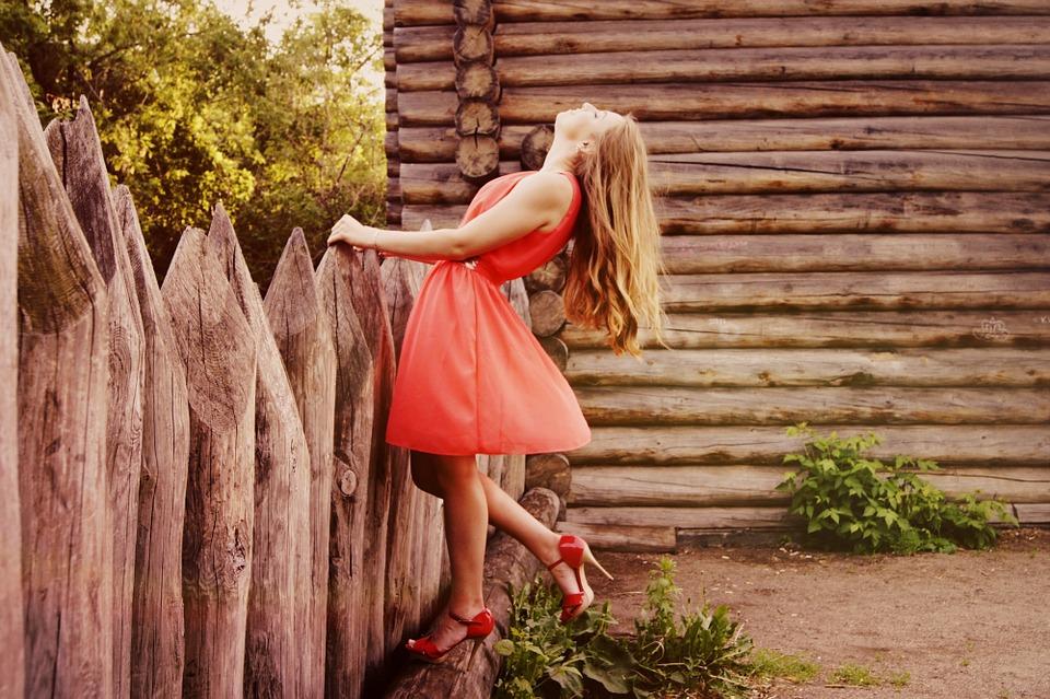 dress-864107_960_720