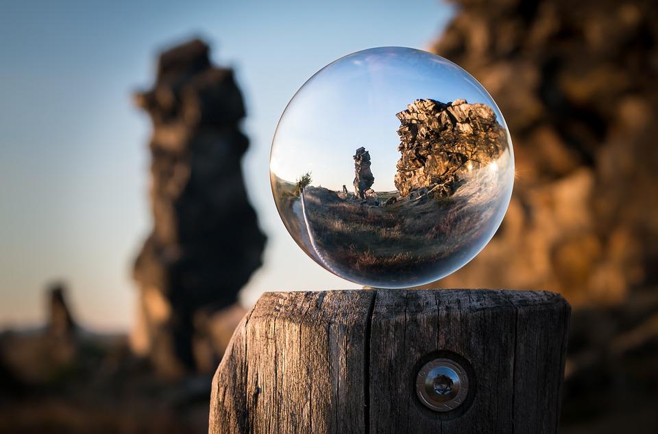 glass-ball-1746506_960_720